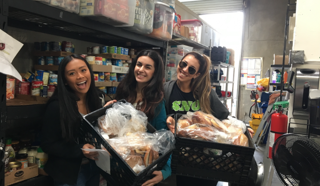 Nutrition students grocery shopping